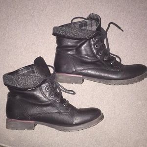 Nine West black combat boots